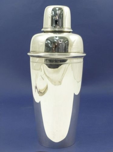 1310: A Tiffany & Co Sterling silver cocktail shaker, 1