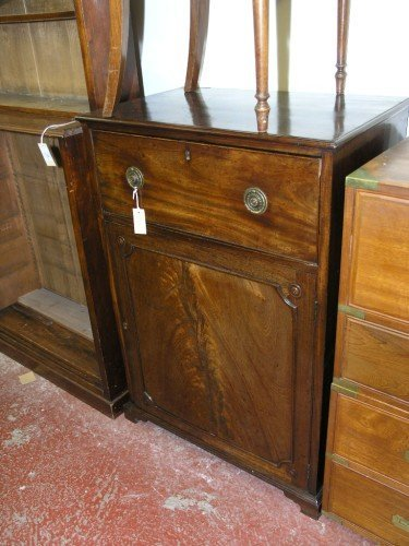 1067: An Edwardian mahogany secretaire cabinet, 2ft 6in