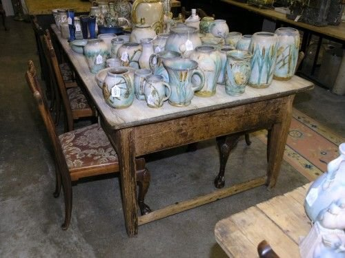 1075: A Victorian pine kitchen table, 6ft 6ins