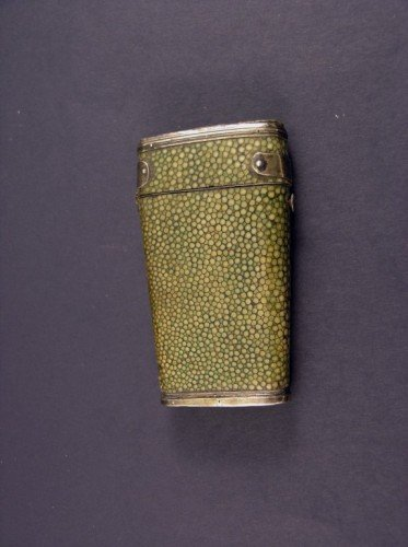 1630: Early 19th century silver mounted shagreen etui