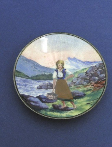 1646: A small Continental silver and enamel dish
