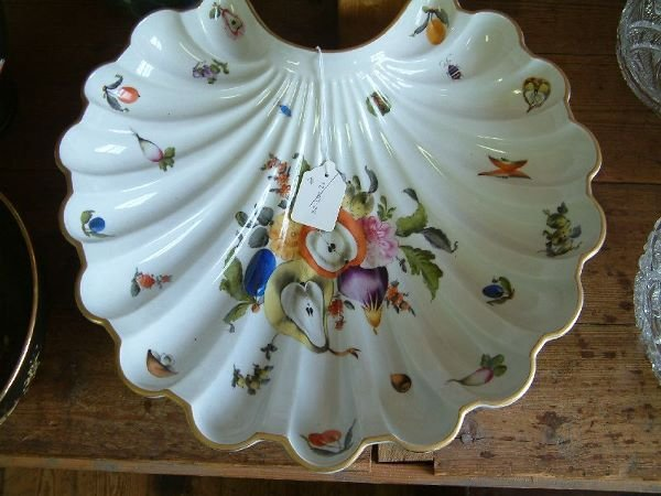 448F: A Herend shell-shaped serving dish, 16in. wide