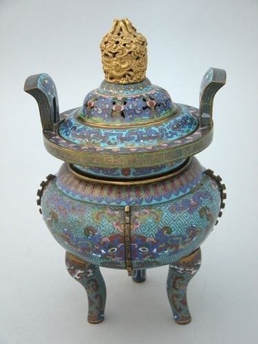 258E: A Chinese cloisonne censer, 18th/19th century