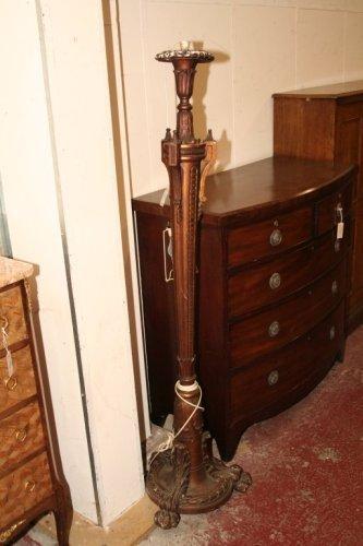 931: A Regency design carved torchere,