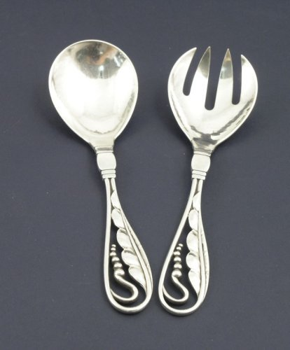 1320: A pair of Georg Jensen silver salad servers, 6ins