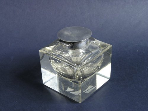 1321: A sterling silver mounted cut glass cube inkwell