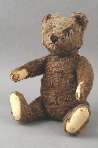 4: A Steiff cinnamon plush Teddy bear, 1920's