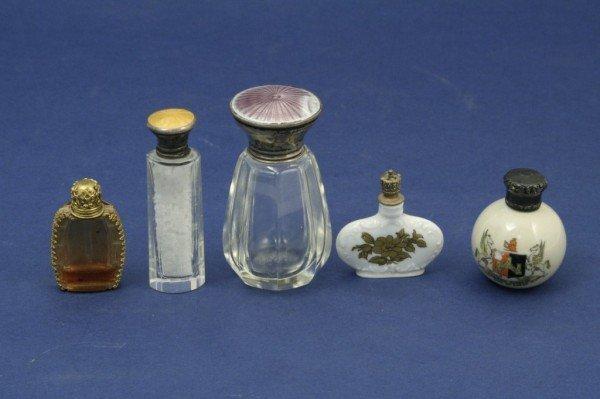 1625: 5 scent bottles