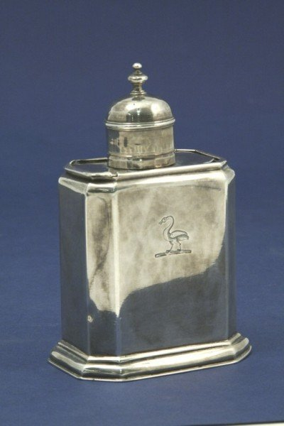 1635: *A George II silver tea caddy and cover, 5ins
