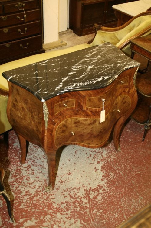 846: A Louis XV design kingwood and inlaid bombe commod