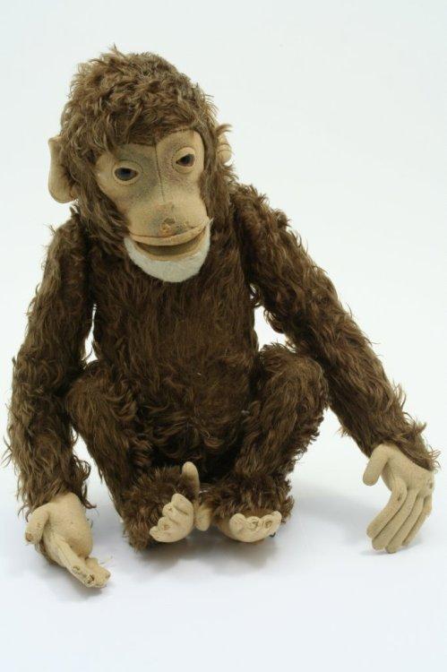 13: A Steiff monkey, 17in.