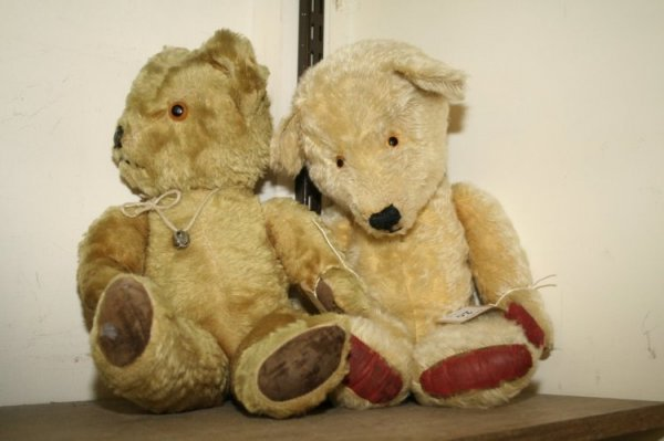 20: Two English Teddy bears,