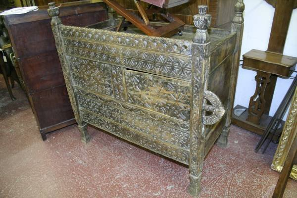 951: A 19th century pine cabinet, 4ft 1ins