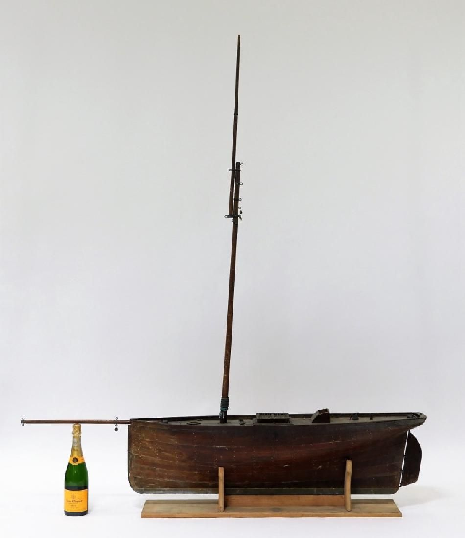LG 19C. American Wood Pond Boat Model