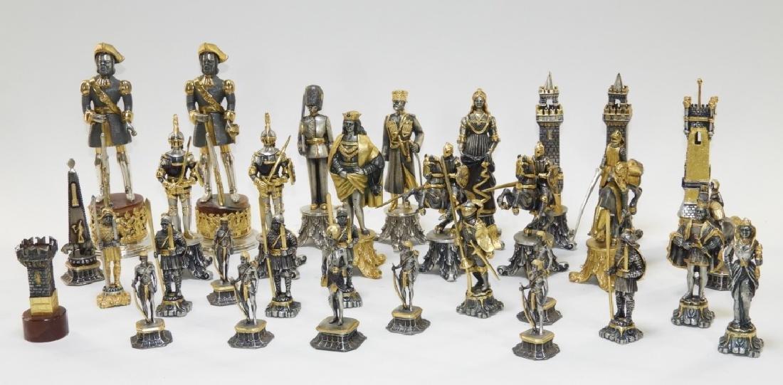 Giuzeppe Vasari 32PC Chess Set & Soldier Sculpture