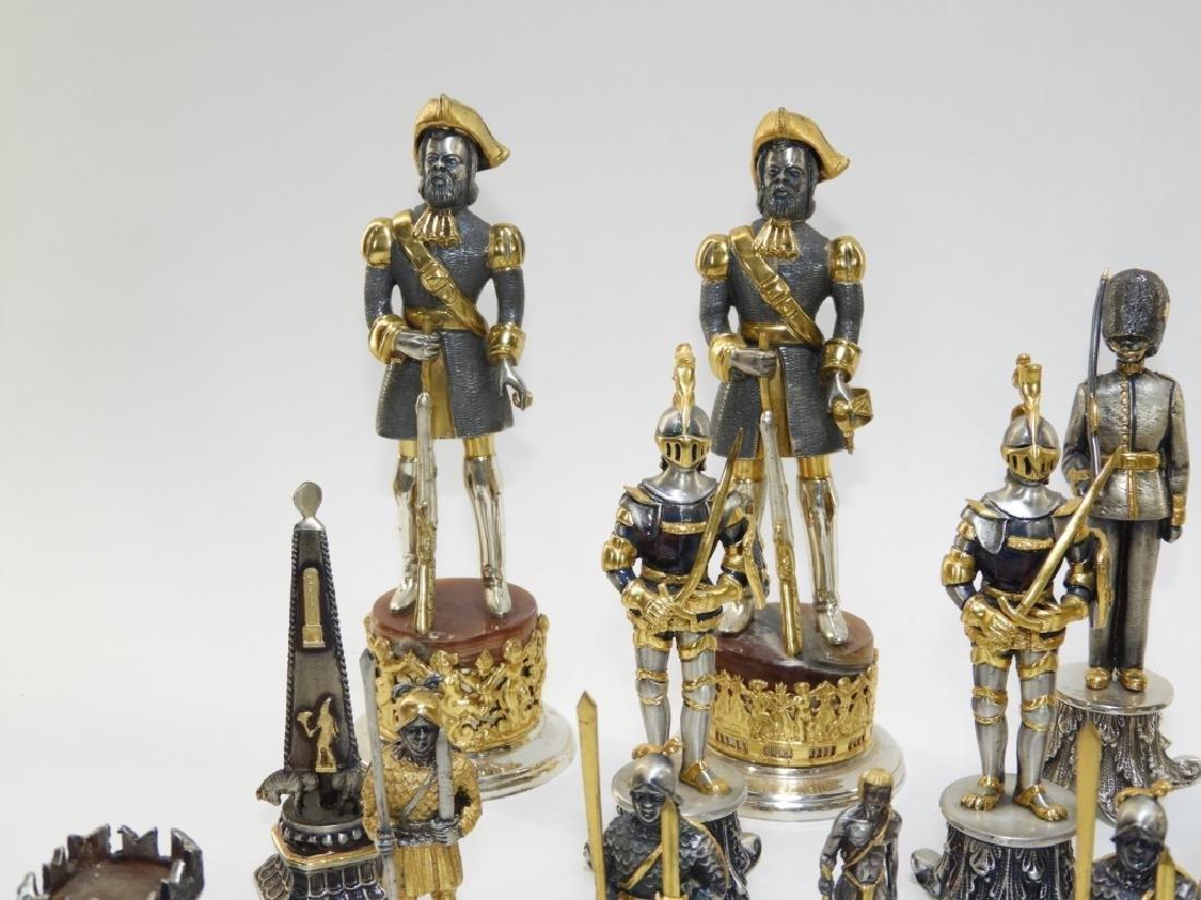 Giuzeppe Vasari 32PC Chess Set & Soldier Sculpture - 2
