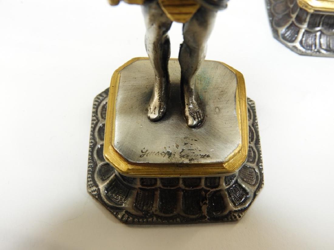 Giuzeppe Vasari 32PC Chess Set & Soldier Sculpture - 9