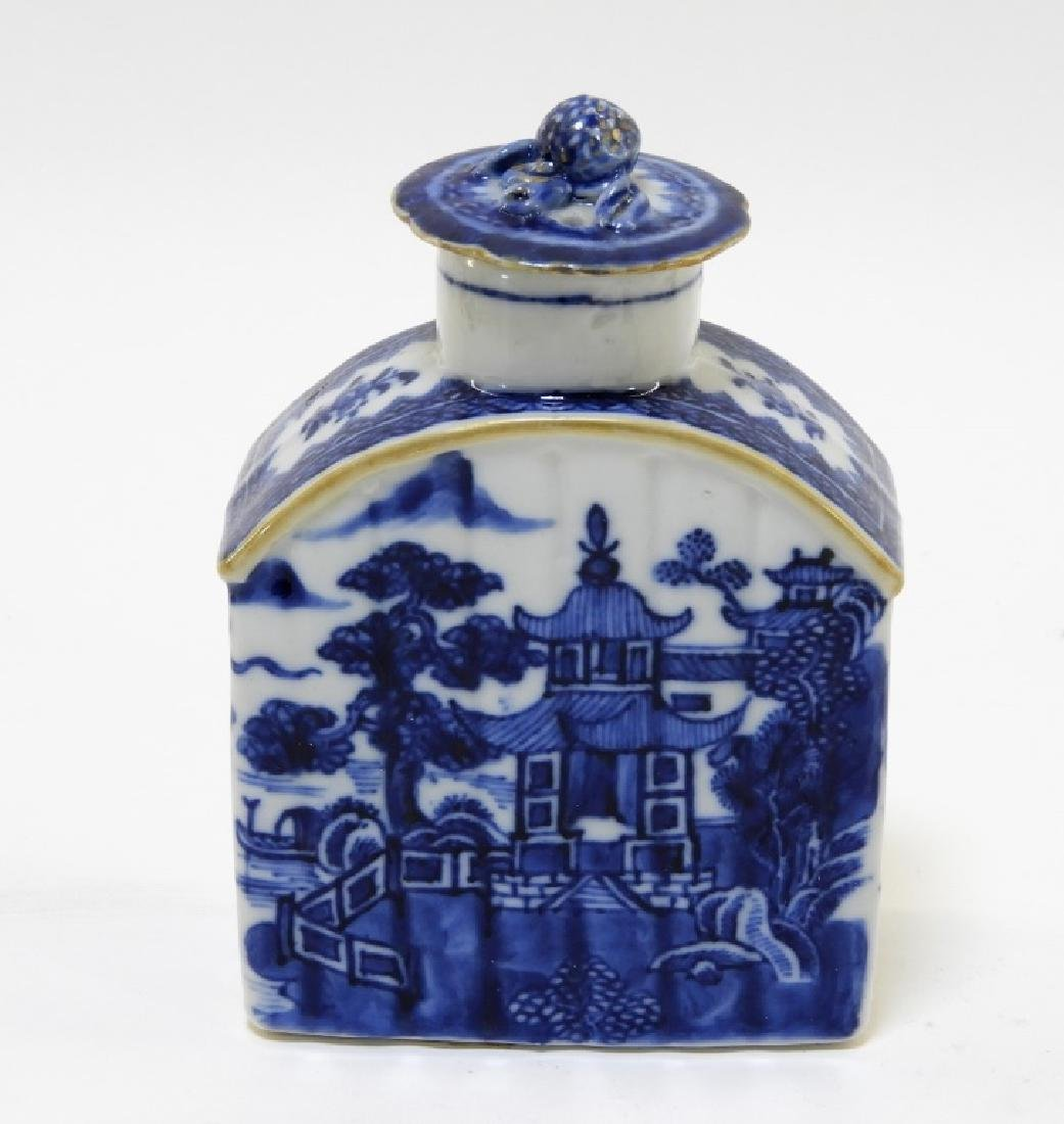 Chinese Export Porcelain Blue & White Tea Caddy - 2