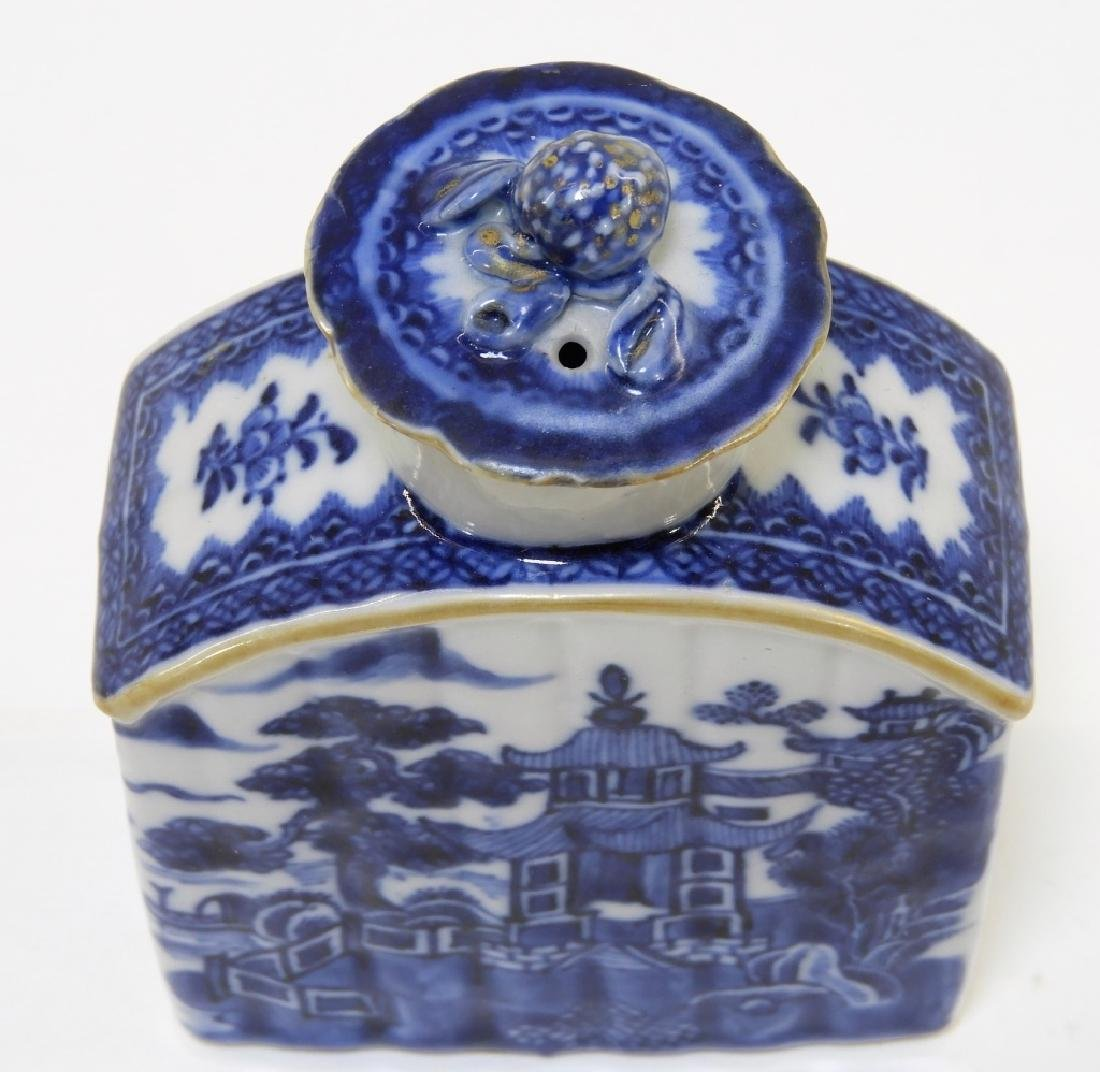 Chinese Export Porcelain Blue & White Tea Caddy - 3