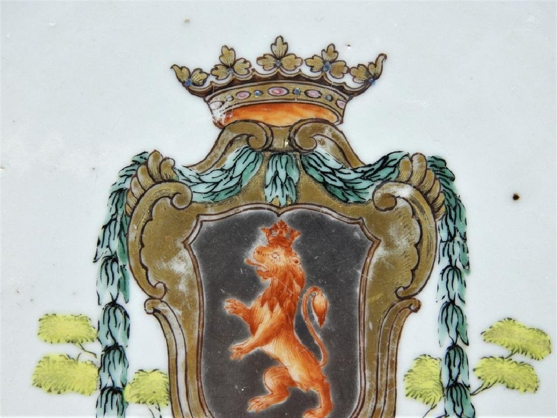 Chinese Export Armorial Porcelain Lion Crest Plate - 4
