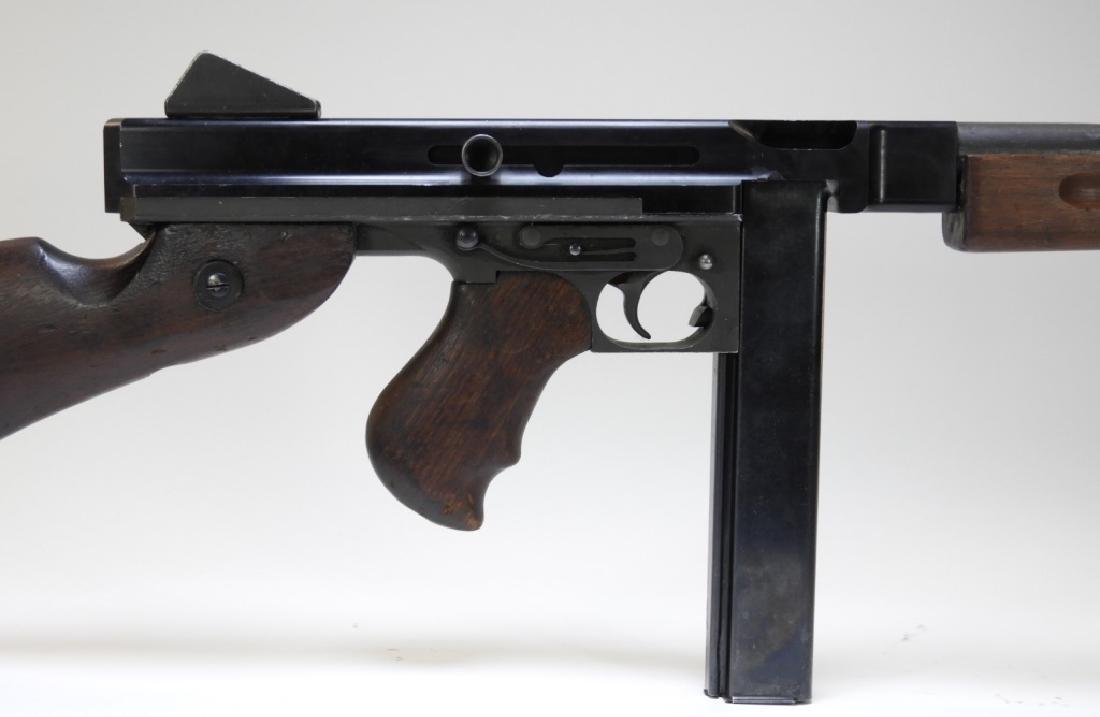 Thompson Submachine Gun Model M1A1 Display SMG