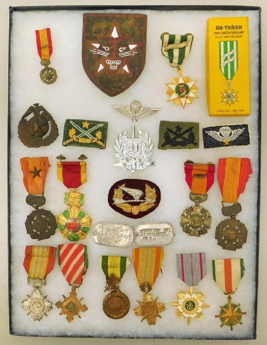 Vietnam War South Vietnamese Medals- Pins