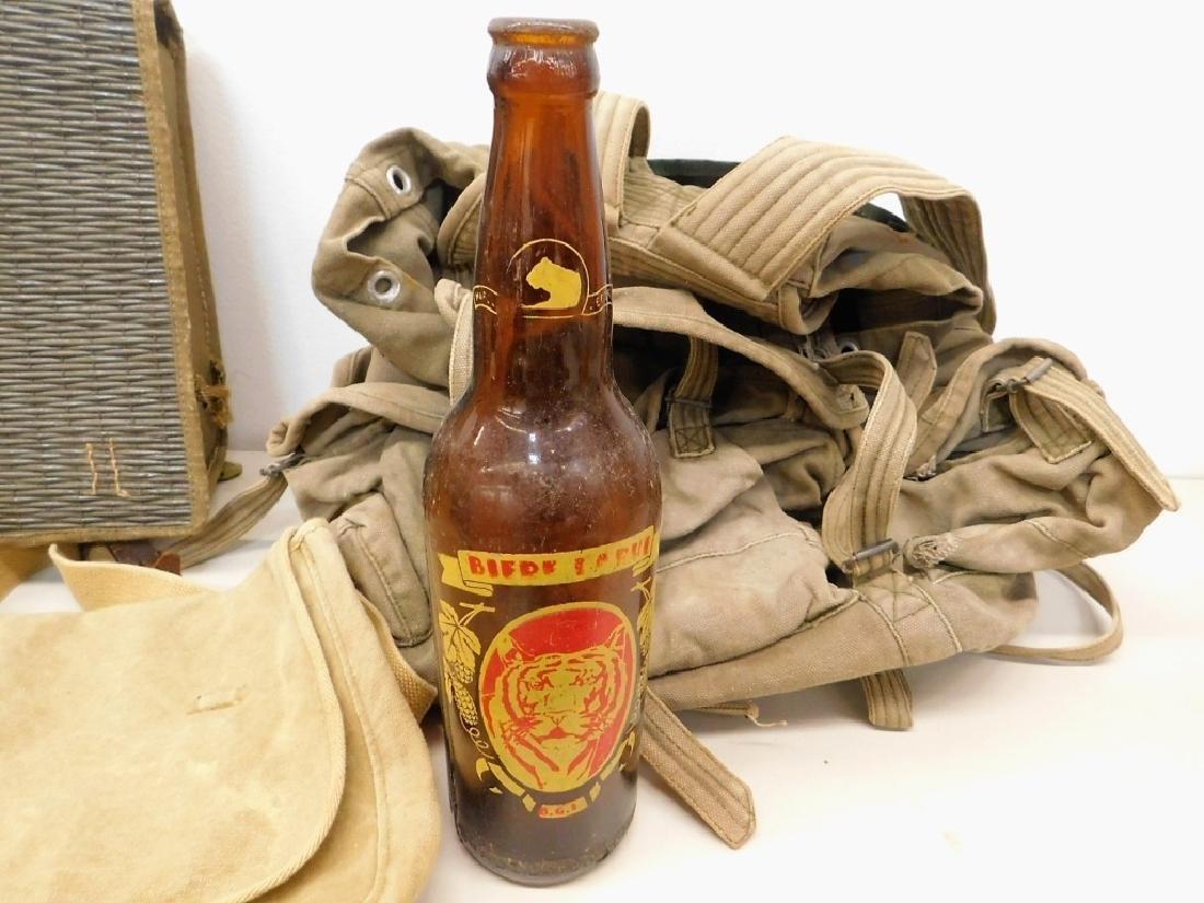 Vietnam War North Vietnamese Uniform & Equipment - 8