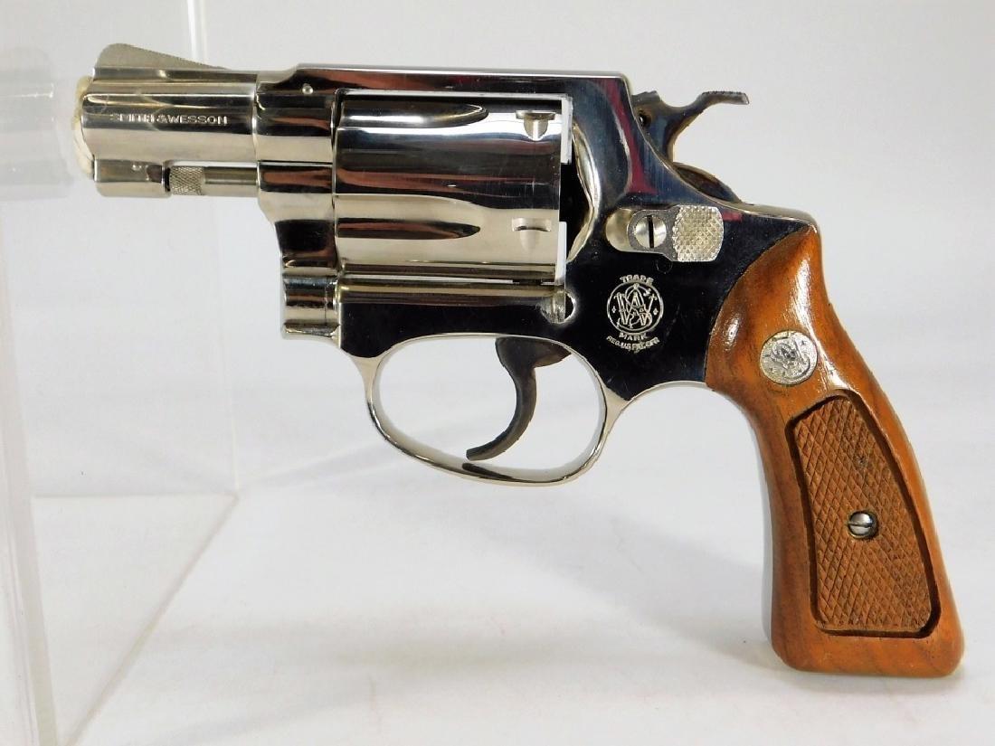 Smith & Wesson Model 36 38 Special Revolver - 2