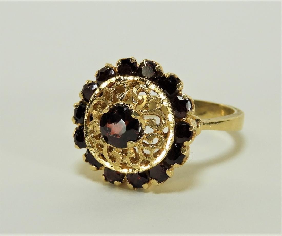 Victorian 18K Yellow Gold Garnet Lady's Ring