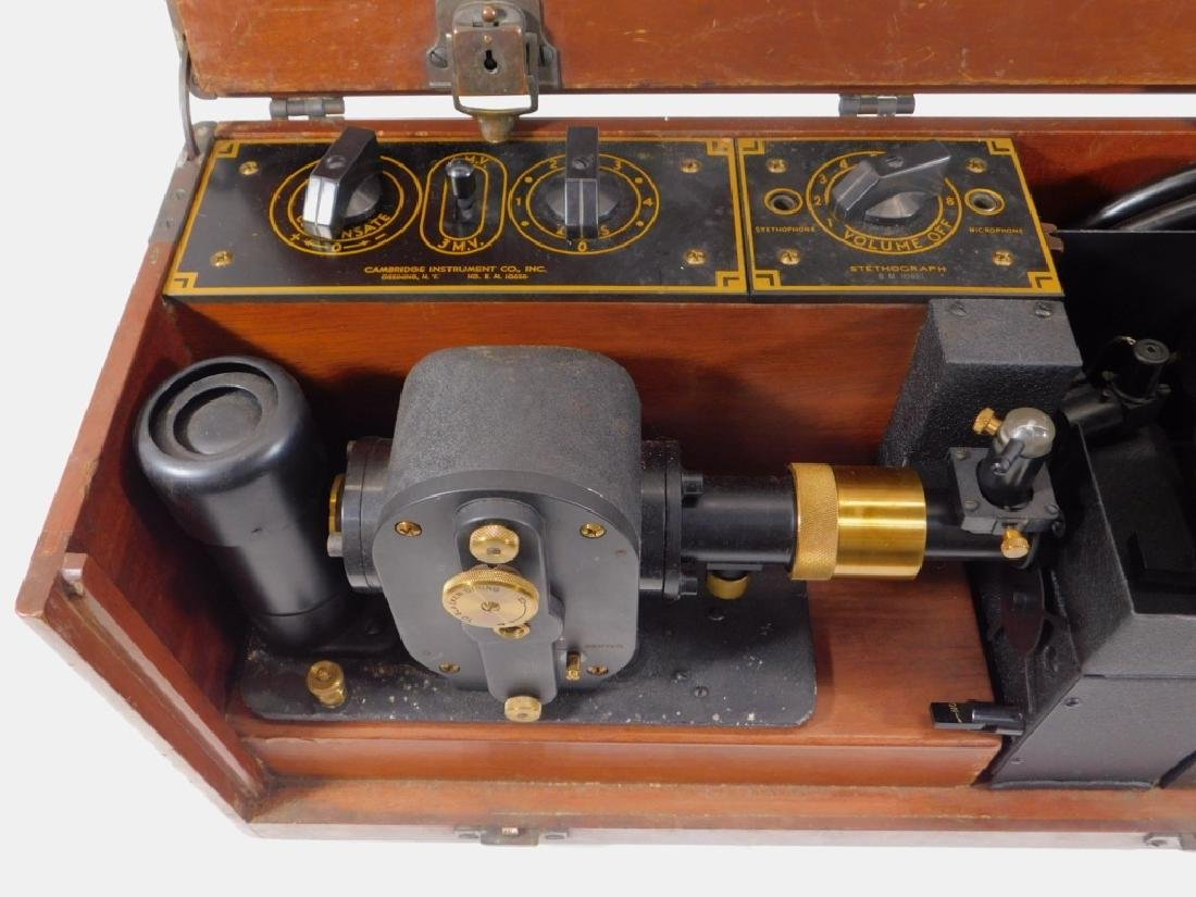 Antique Electrocardiograph Machine in Wood Box - 3