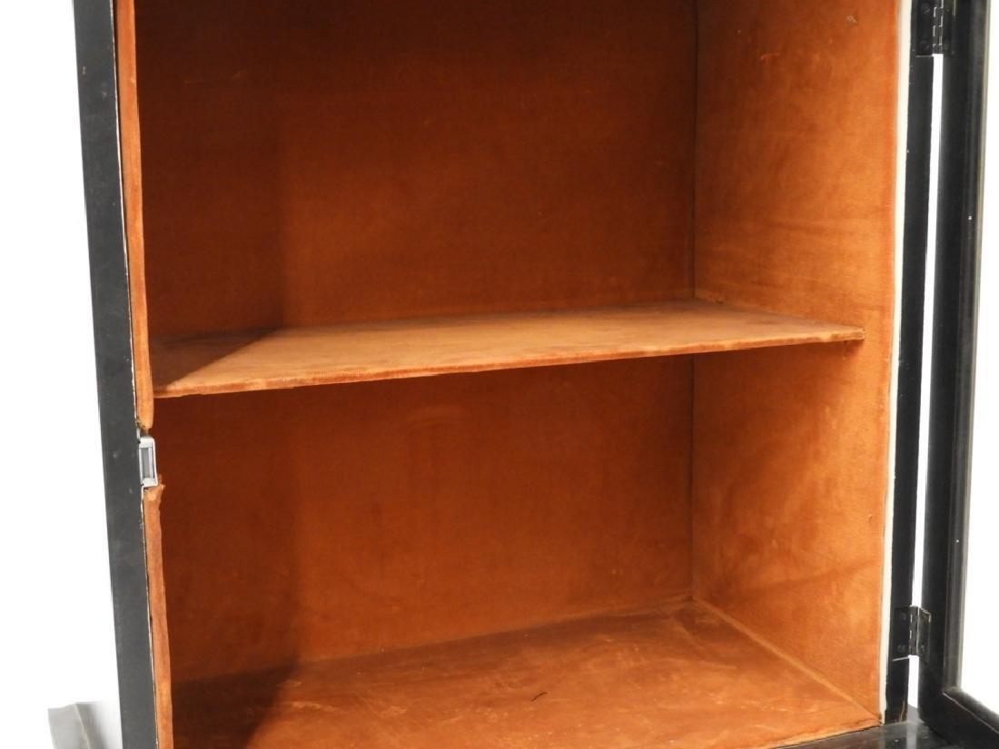 PR American Chinoiserie Decorated Vitrine Cabinets - 4