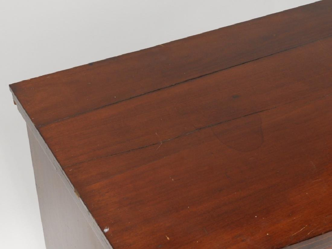 Massachusetts Federal Mahogany Bow Front Chest - 5