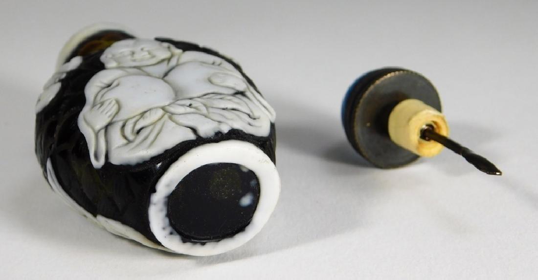 Chinese Peking Glass Overlay Buddha Snuff Bottle - 6