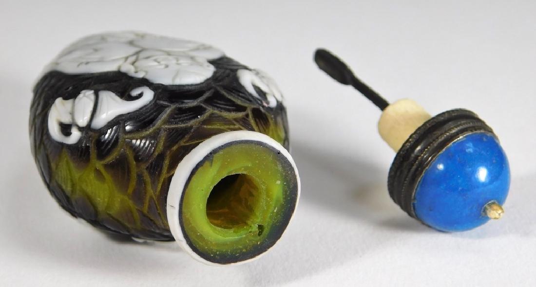 Chinese Peking Glass Overlay Buddha Snuff Bottle - 7