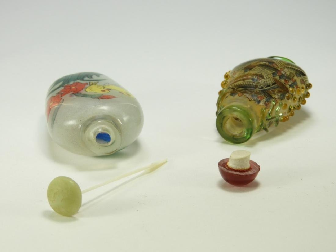 2 Chinese Reverse Painted Glass Snuff Bottles - 4
