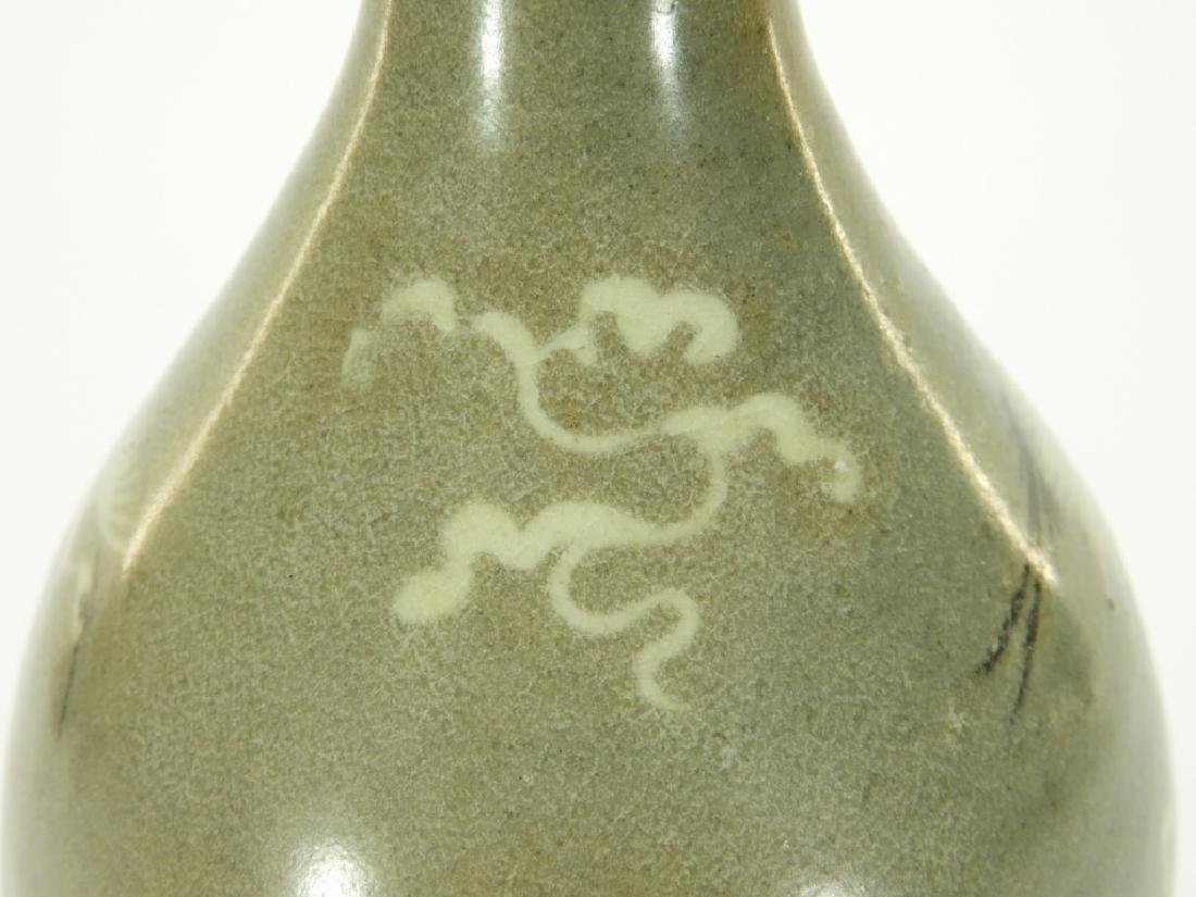 19C. Korean Celadon Porcelain Pear Form Crane Vase - 7