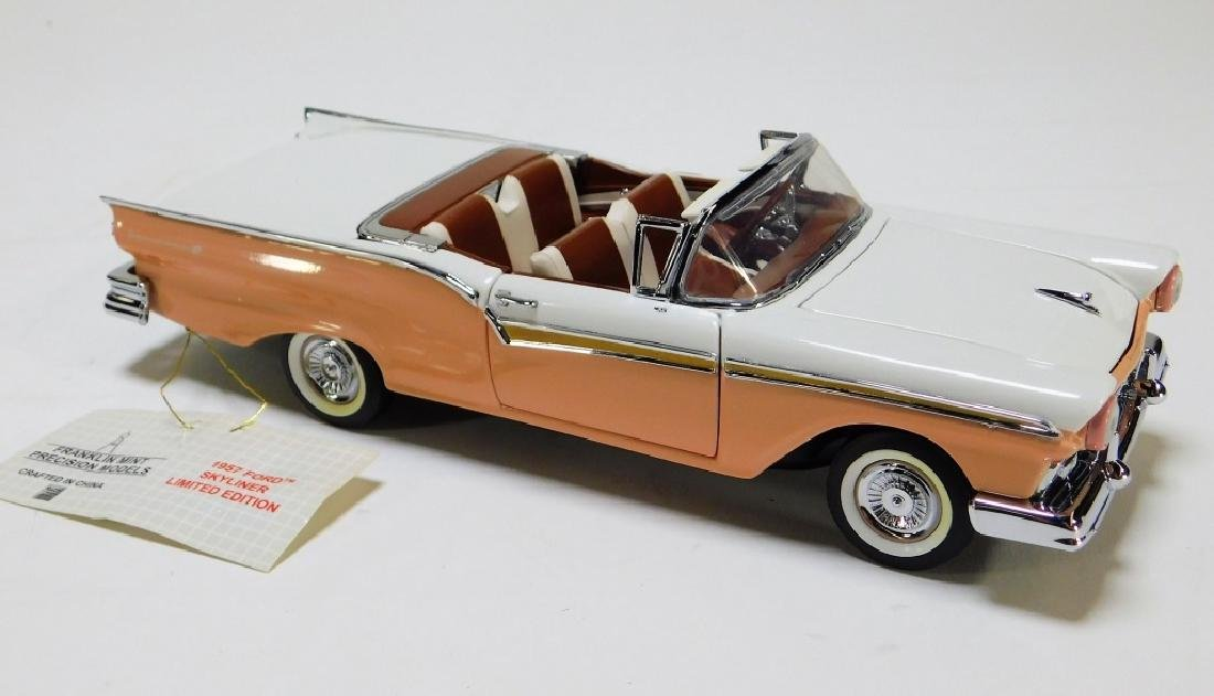 Franklin Mint 1:24 1957 Ford Skyliner LE Diecast