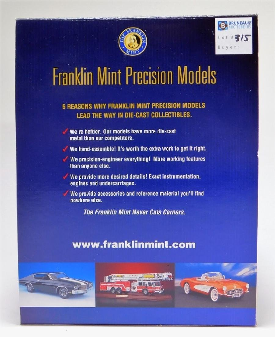 Franklin Mint 1:24 1957 Ford Skyliner LE Diecast - 3