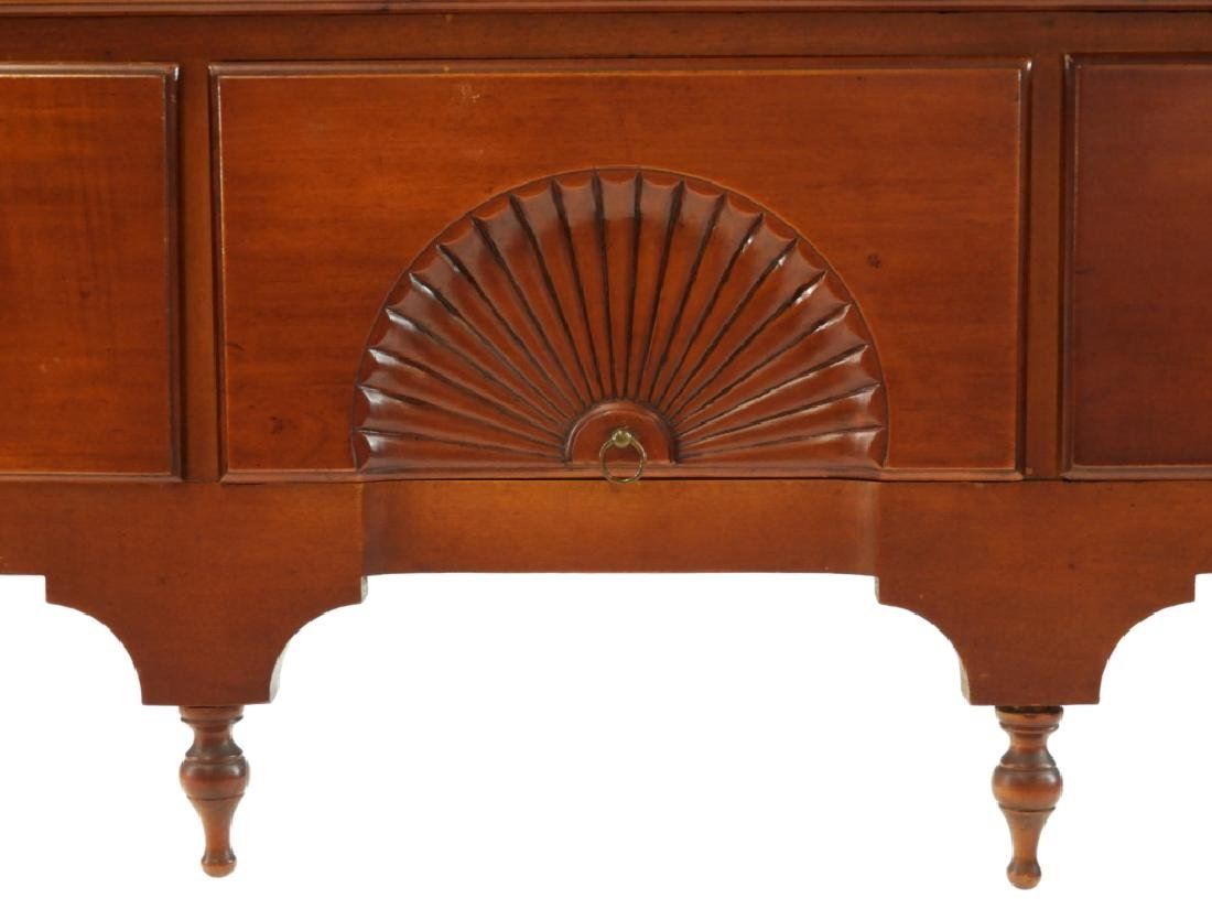 C.1760 Queen Anne Lowboy Dressing Table - 3