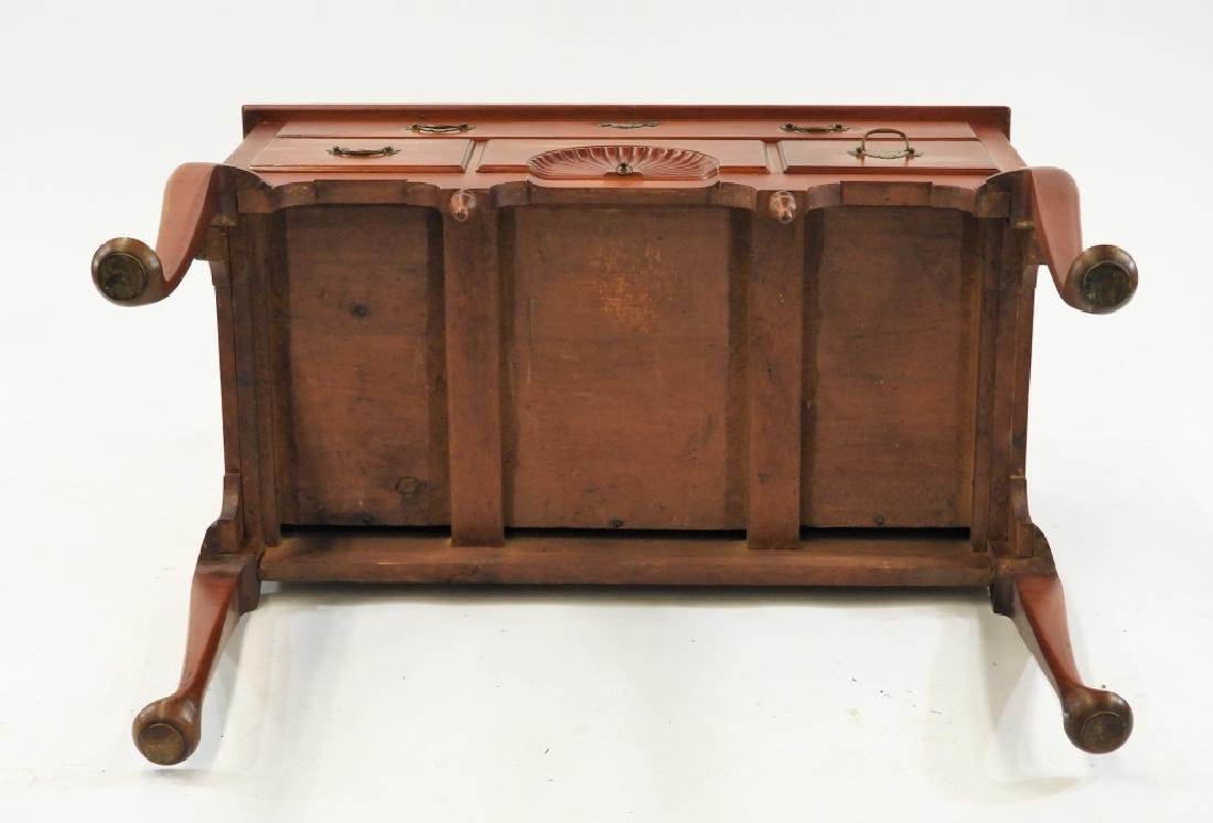 C.1760 Queen Anne Lowboy Dressing Table - 9