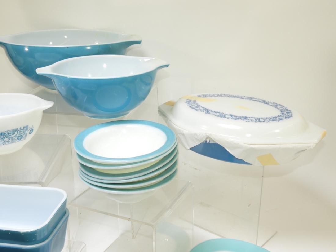30PC Vintage Pyrex Blue Americana Plate Bowl Group - 3
