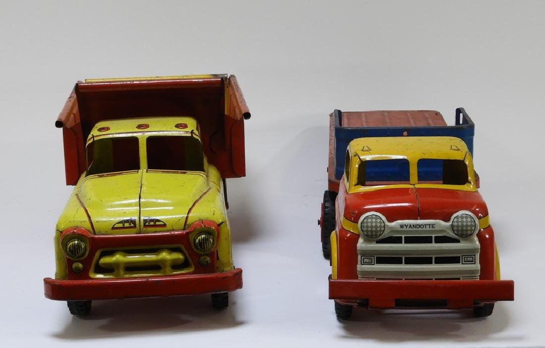 2 Wyandotte Tin Lithograph Construction Dump Truck - 6