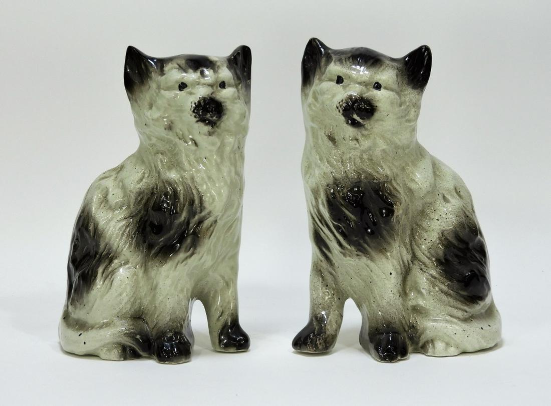 18C Continental Soft Paste Porcelain Mantel Cats