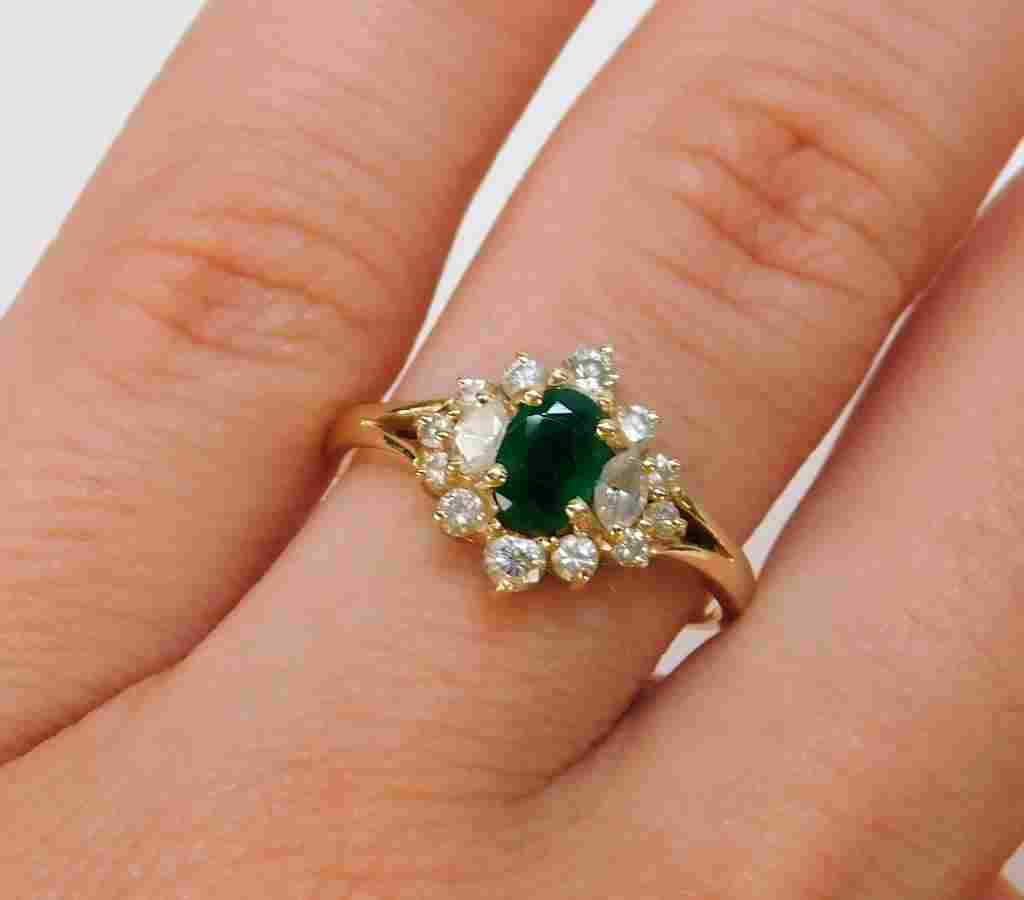 14K Gold Emerald & Diamond Lady's Cocktail Ring