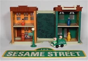 Sesame Street 4-D Cast Signed Play Set & Crew Sign