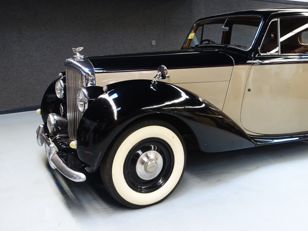 1949 Bentley Mark VI Standard Saloon Automobile - 2
