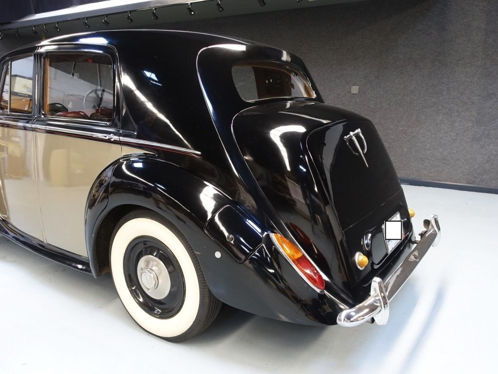 1949 Bentley Mark VI Standard Saloon Automobile - 3