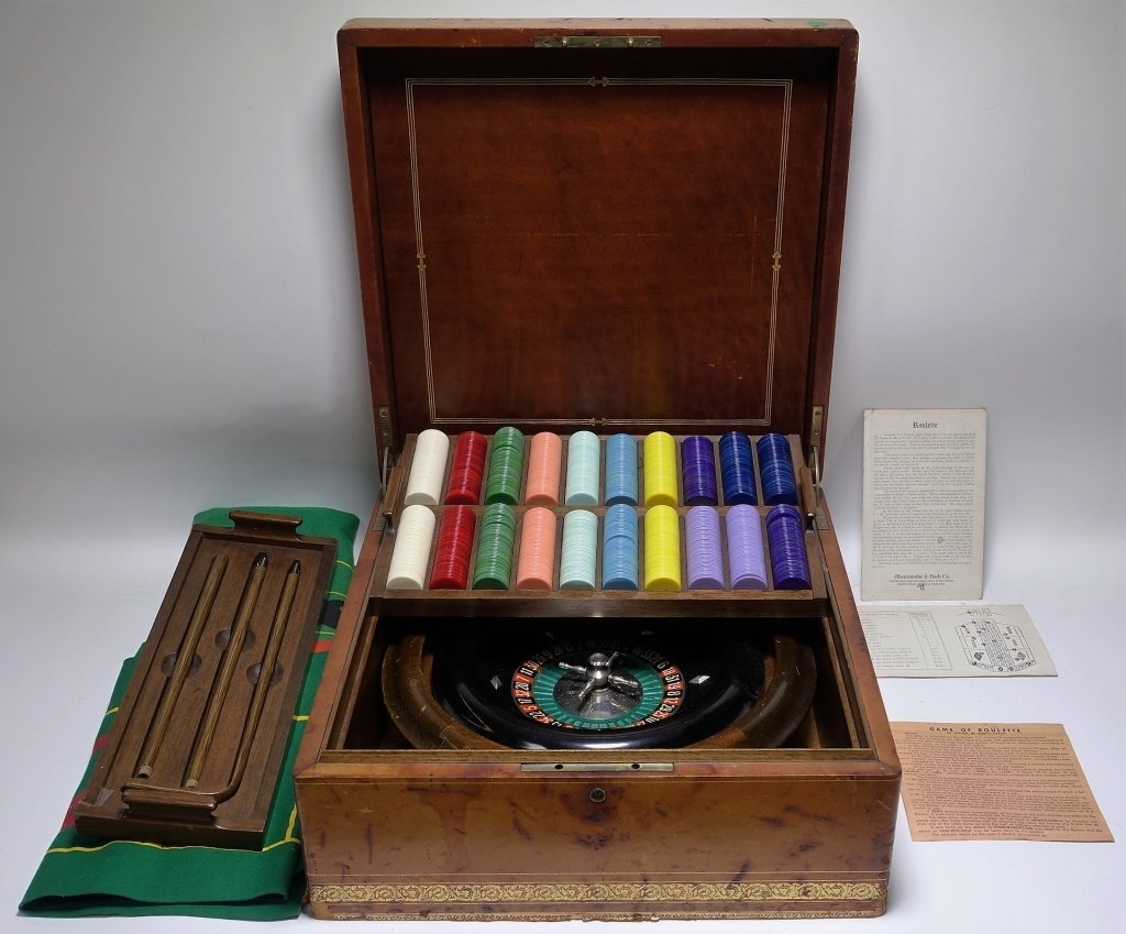RARE Abercrombie & Fitch Co Roulette Gaming Set