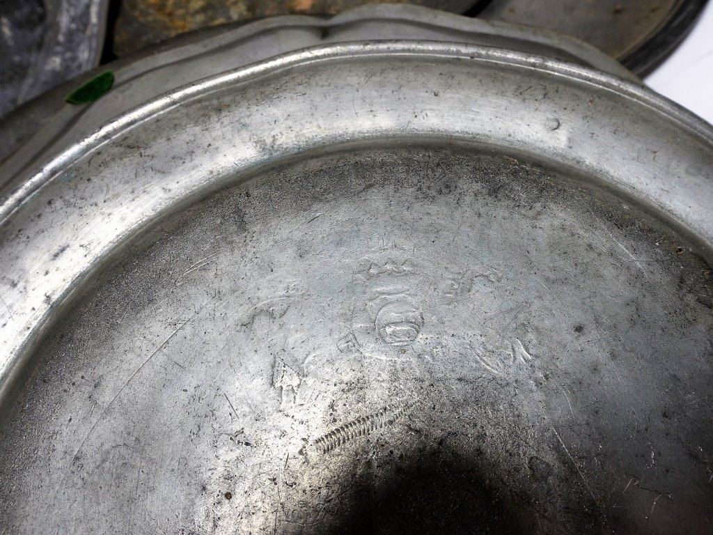 17 English & Colonial 18C Pewter Dish Plates - 6