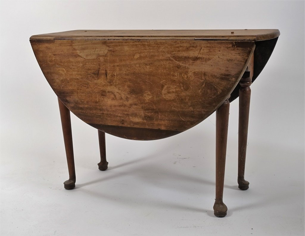 New England Queen Anne Pine Drop Leaf Table